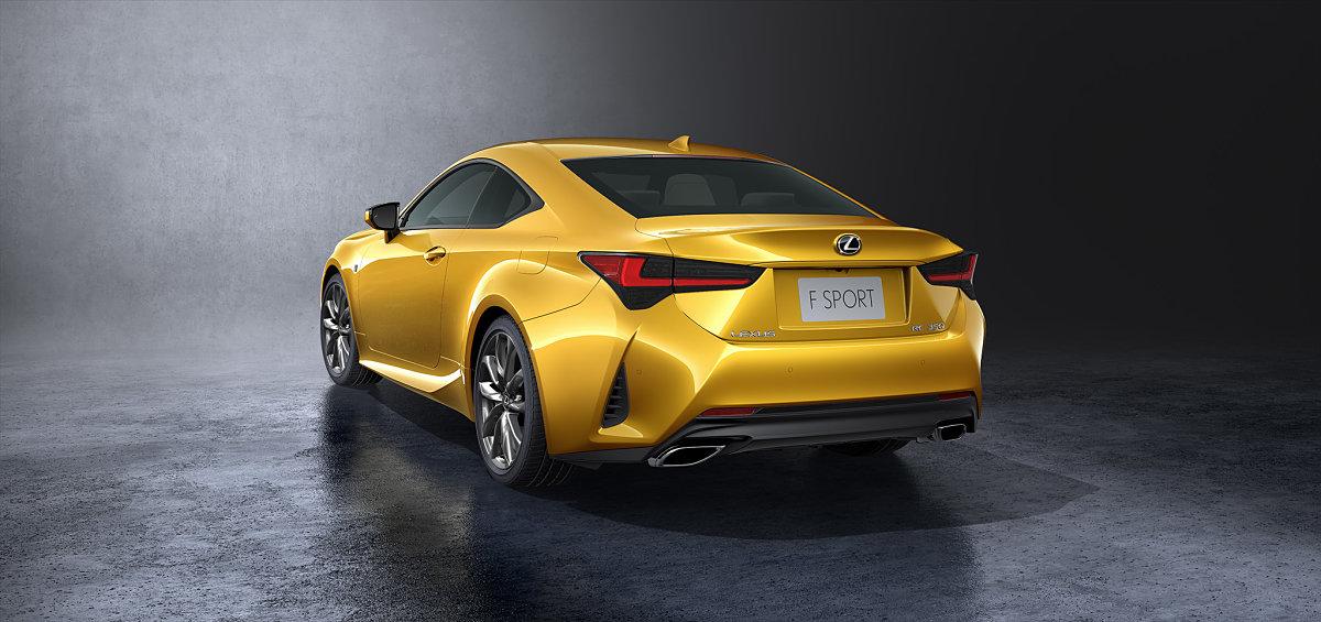 auto amarillo